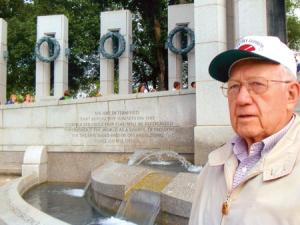 Robert Braden visiting WWII Memorial(tctimes)