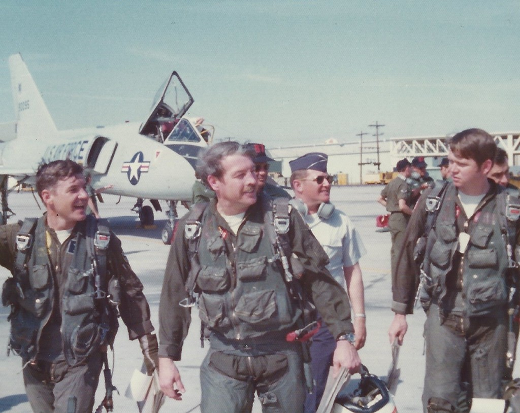 Pilots and crew of the 87th (Courtesy of John Roznick)